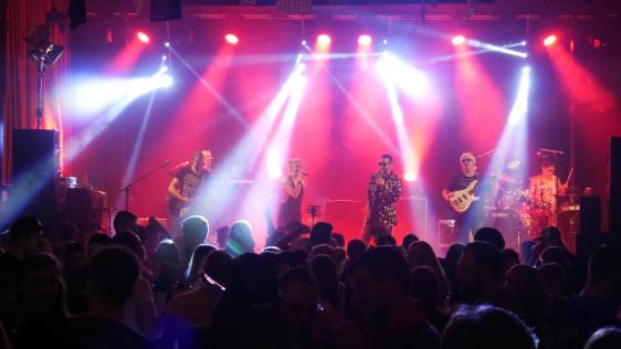 Bild Party Inside Live
